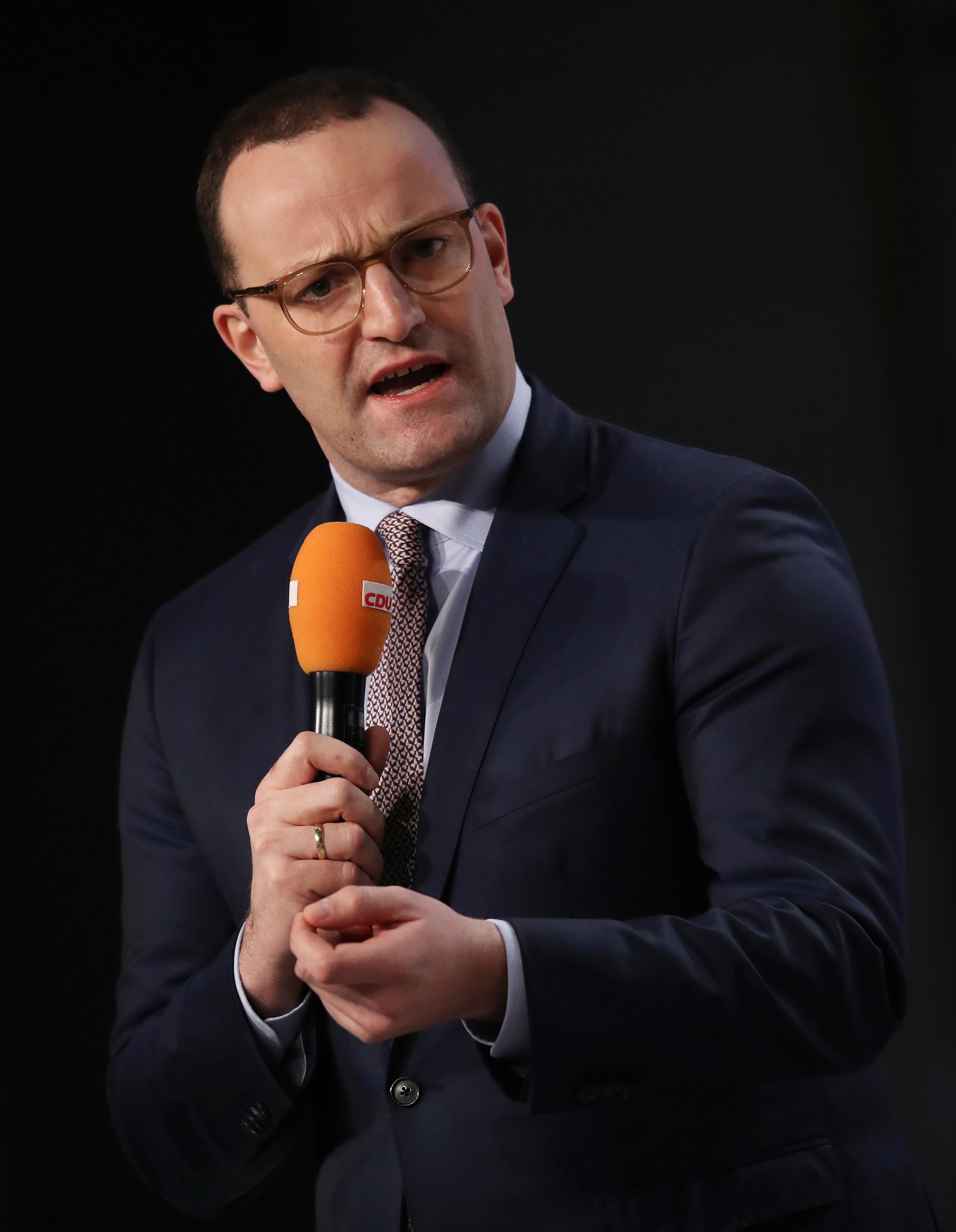 CDU-Vorsitz: Jetzt attackiert auch Spahn Kontrahent Merz für