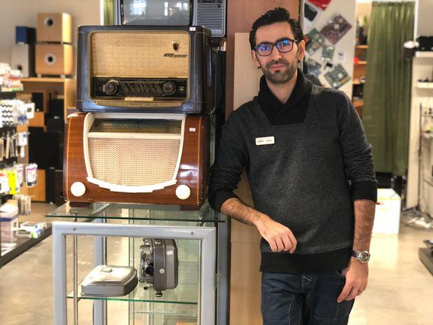 Amjad Al Chamma in his electronics