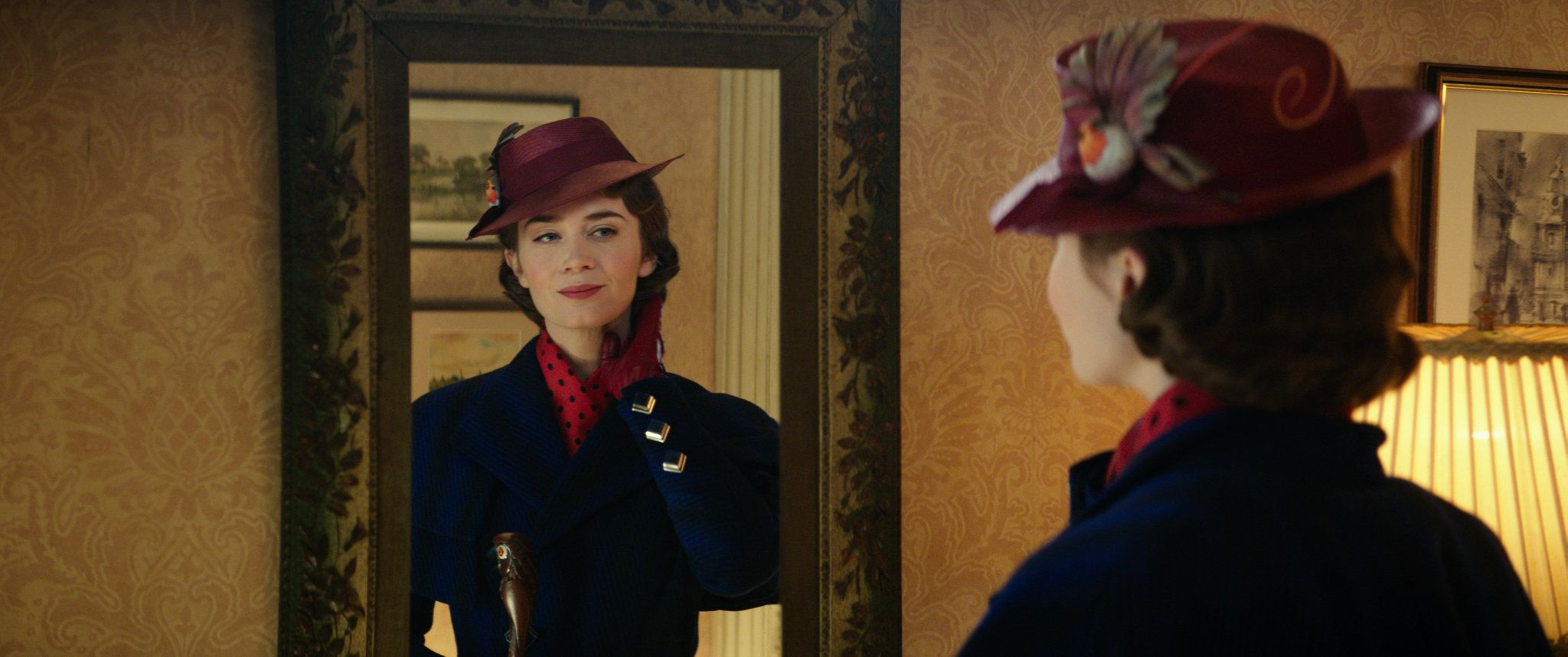Emily Blunt in MARY POPPINS RETURNS.