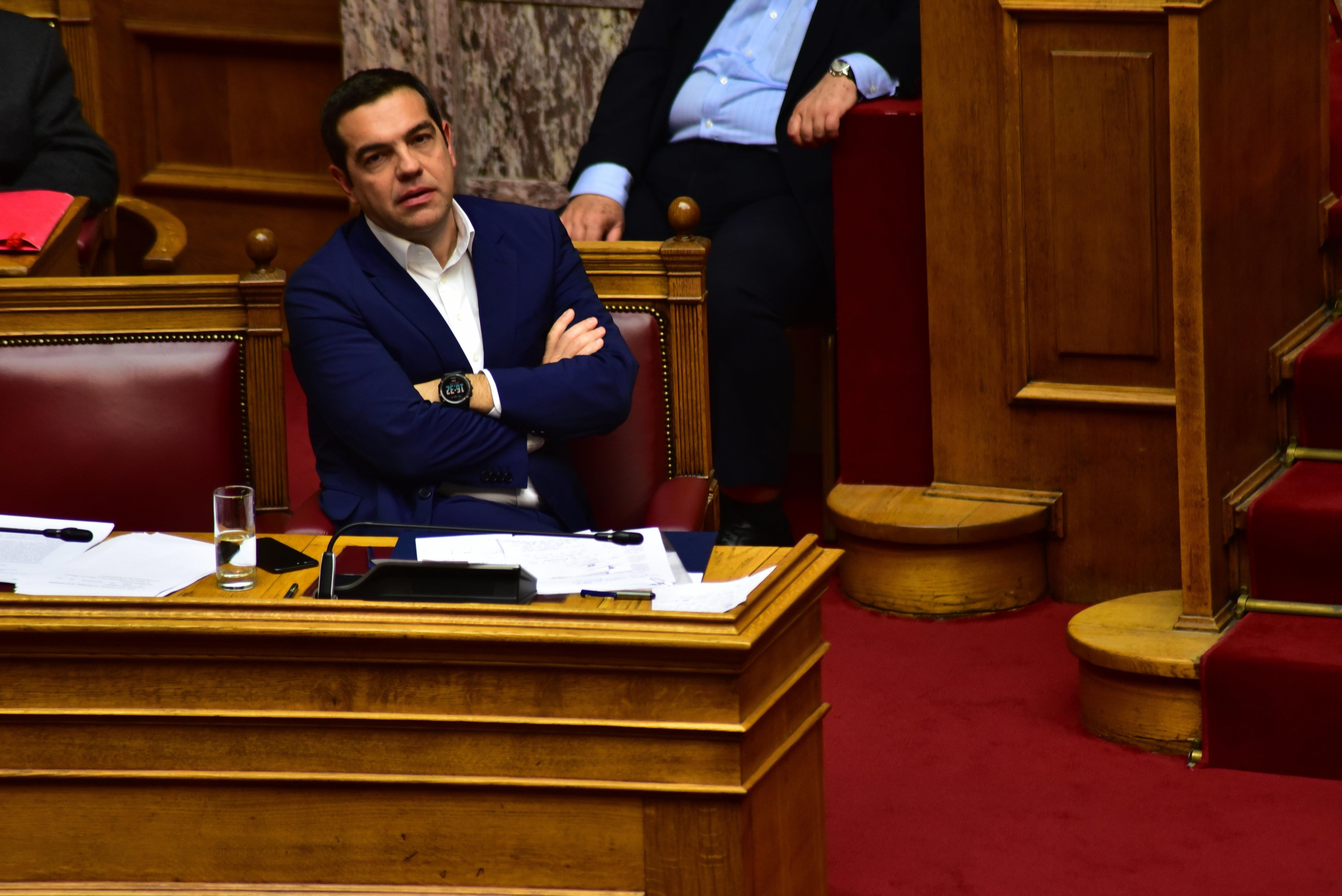 Στη Βουλή για τον ΕΝΦΙΑ ο Τσίπρας - Ανοιχτή η κουβέντα για τους δημάρχους στον