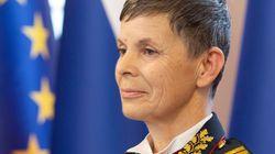 Υποστράτηγος Αλένκα: Μία γυναίκα επικεφαλής των ενόπλων δυνάμεων της