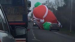 Giant Santa Causes Traffic