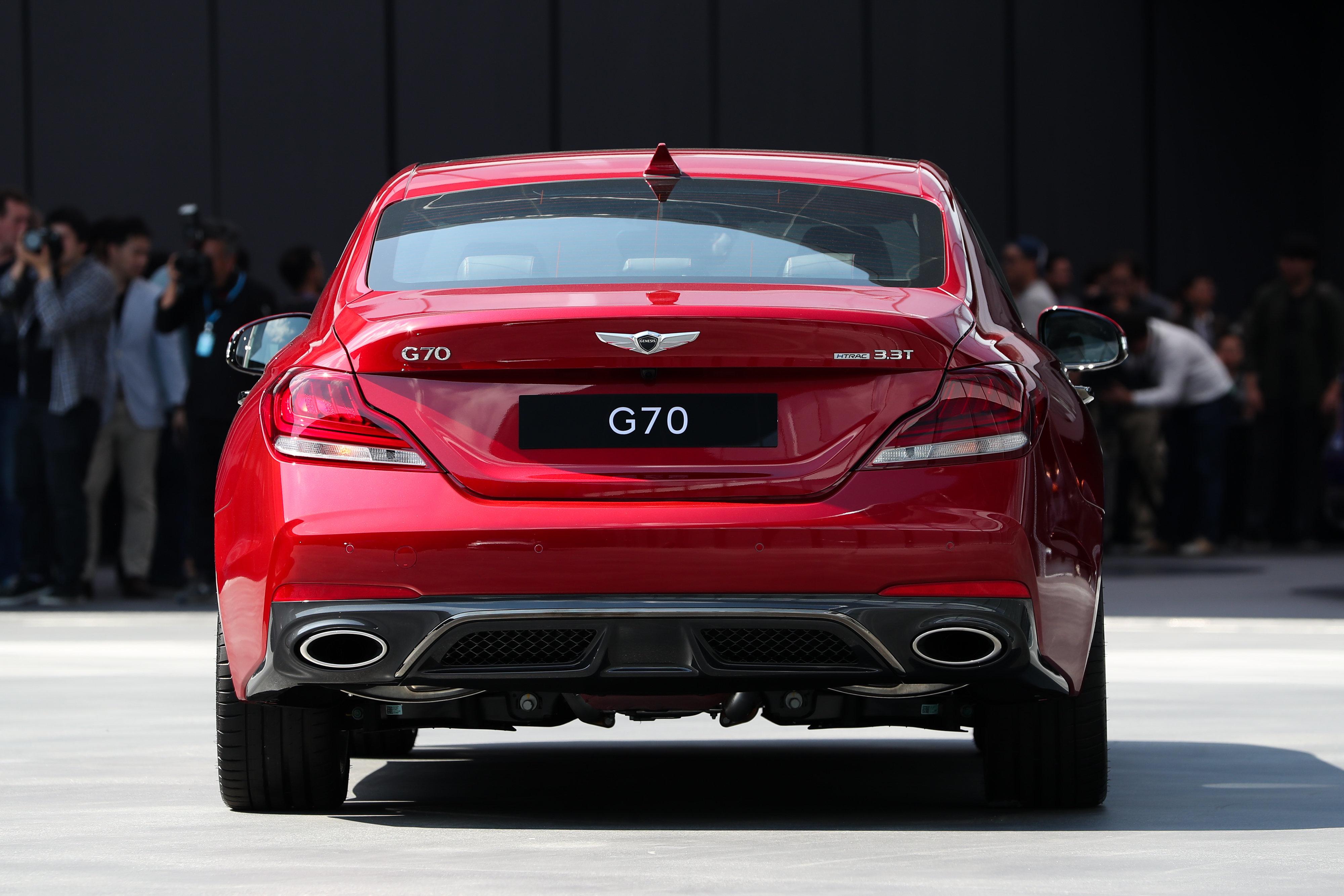 현대차 제네시스 G70이 모터트렌드 '올해의 차'로