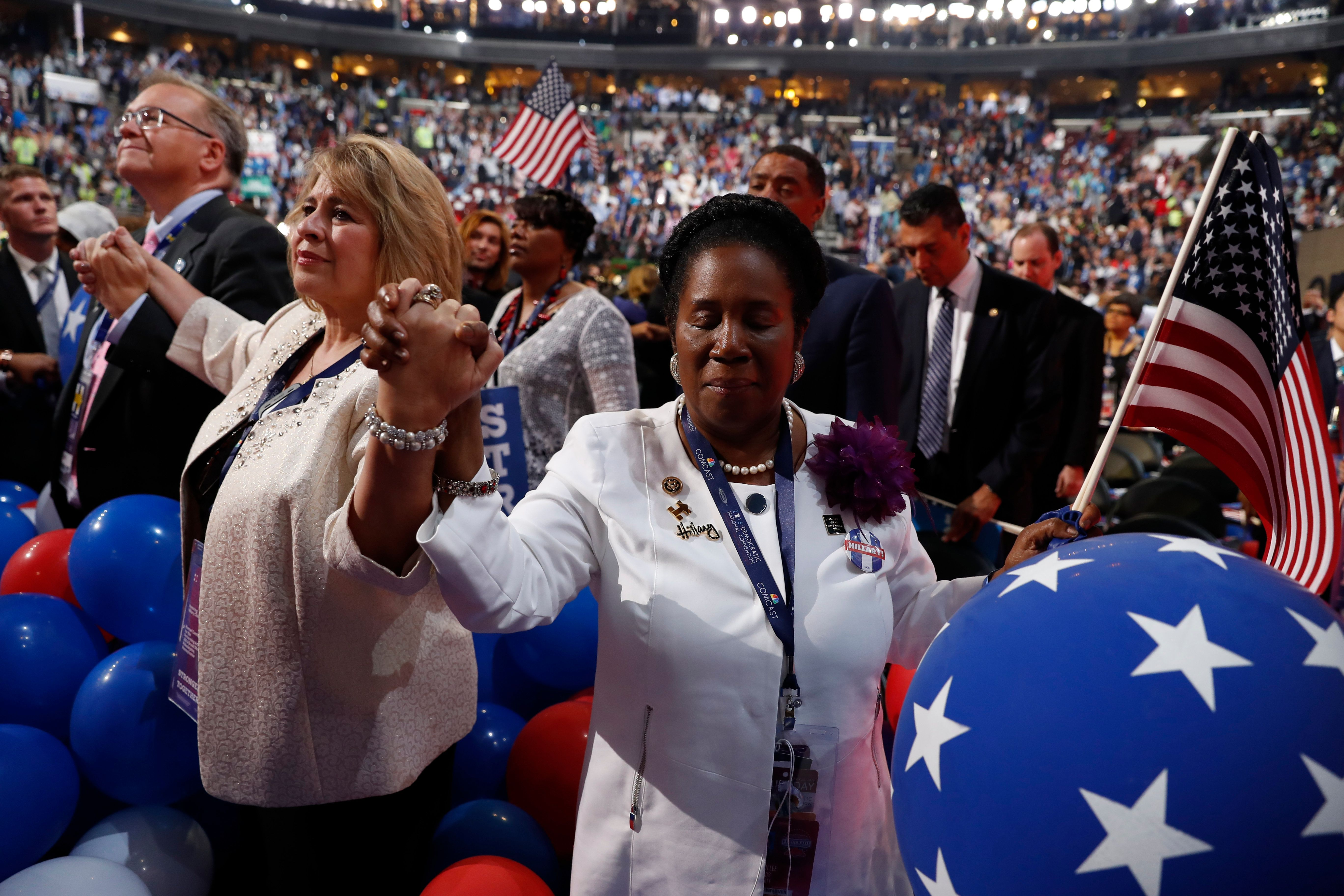 during the final day of the Democratic National Convention in Philadelphia, Thursday, July 28, 2016. (AP Photo/Carolyn Kaster)