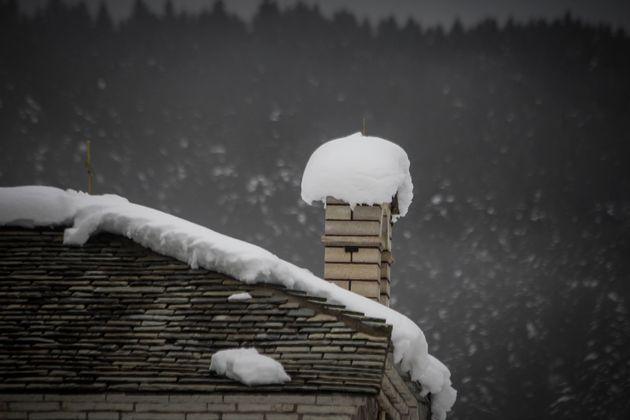 Επιδείνωση του καιρού από την Πέμπτη με χιόνια και τσουχτερό