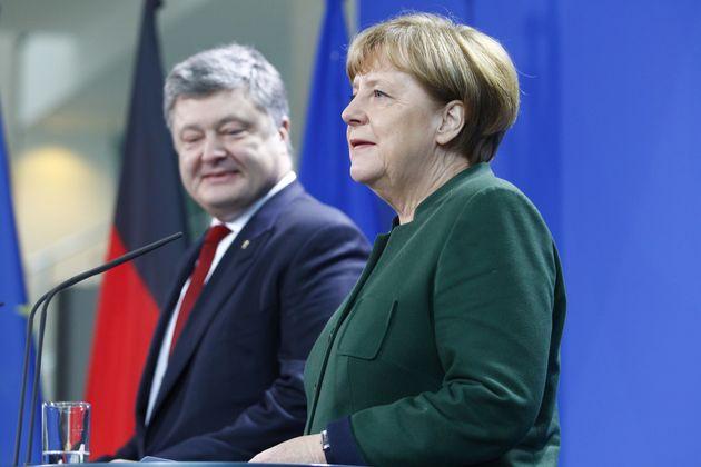 Der ukrainische Präsident Petro PoroschenkoundBundeskanzlerin Angela Merkel.