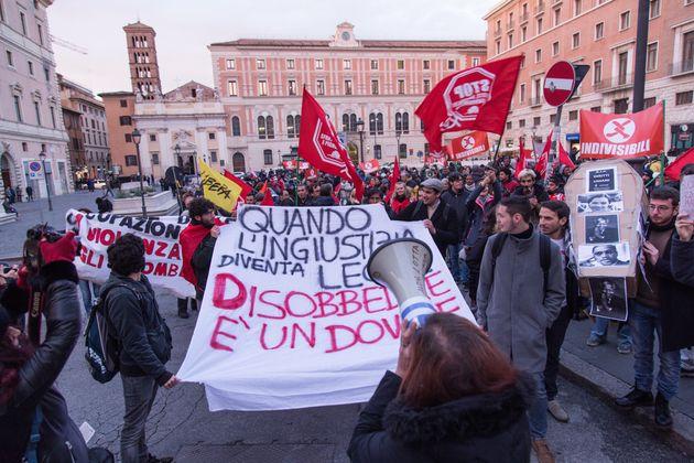 Με ευρεία πλειοψηφία στη Βουλή της Ιταλίας πέρασε ο σκληρός αντιμεταναστευτικός
