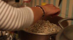 Η πρόσφυγας που μαγειρεύει για τους άστεγους της