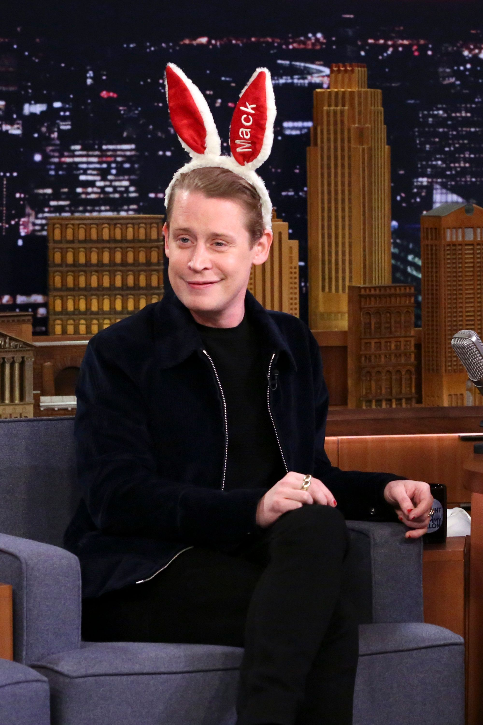 THE TONIGHT SHOW STARRING JIMMY FALLON -- Episode 0970 -- Pictured: Actor Macaulay Culkin during an interview on November 28, 2018 -- (Photo by: Andrew Lipovsky/NBC/NBCU Photo Bank via Getty Images)