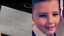 Έστειλε γράμμα στο νεκρό πατέρα του και έλαβε την πιο συγκινητική