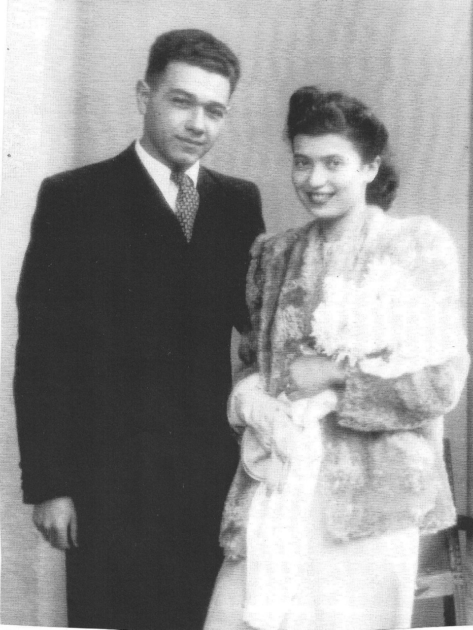 Kammerling married Herta Plaschkes in 1944. She too was brought to safety by the Kindertransport in 1939,...