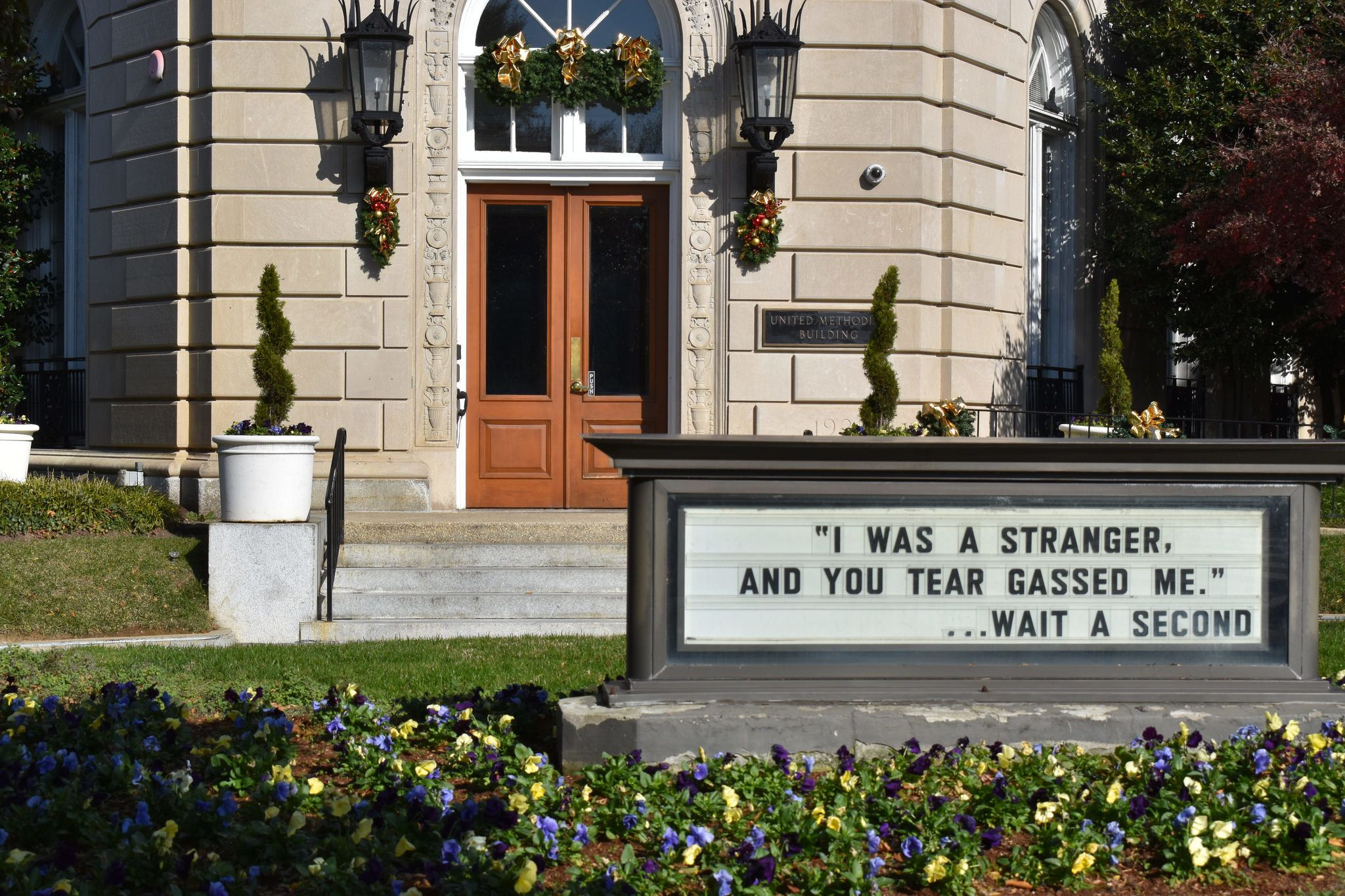 Church Sign Throws Elegant Shade At Politicians On Capitol