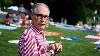 Environmental Protection Agency Administrator Scott Pruitt walks during a picnic for military families on the South Lawn of the White House July 4, 2018 in Washington, DC. (Photo by Brendan Smialowski / AFP)        (Photo credit should read BRENDAN SMIALOWSKI/AFP/Getty Images)