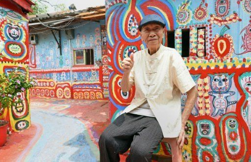 Έμαθε ότι θα γκρέμιζαν το χωριό του και αποφάσισε να το ζωγραφίσει ολόκληρο για να το