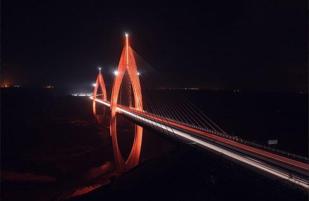 Rabat: Le pont Mohammed VI illuminé en orange pour dénoncer les violences faites aux