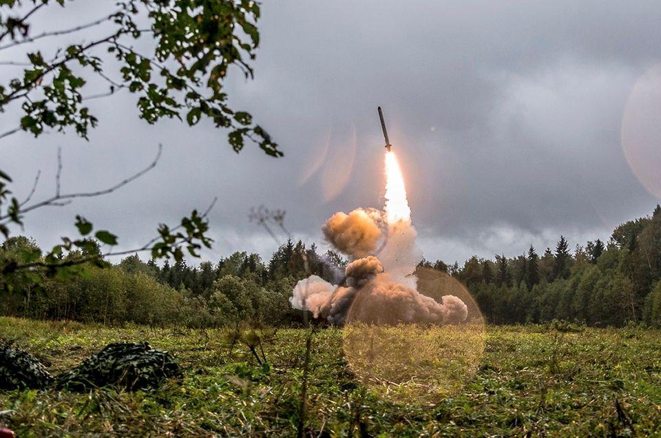 H συνθήκη INF και η «ισορροπία του τρόμου» στα πυρηνικά όπλα: Τι σημαίνει η νέα «κόντρα»