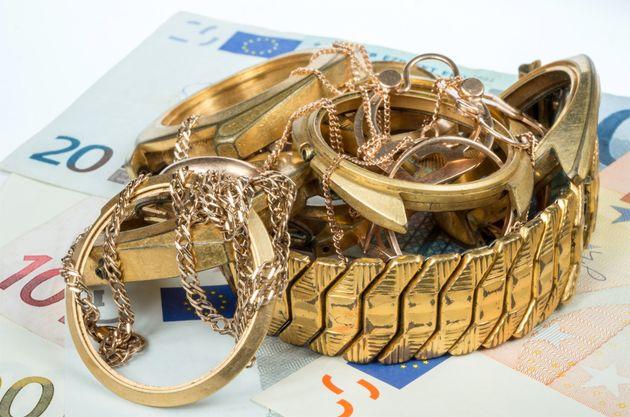 Ο «βασιλιάς» του χρυσού με χειροπέδες: Μαύρο χρήμα για TV, αστυνομικός-«υπηρέτης» και σύλληψη δια