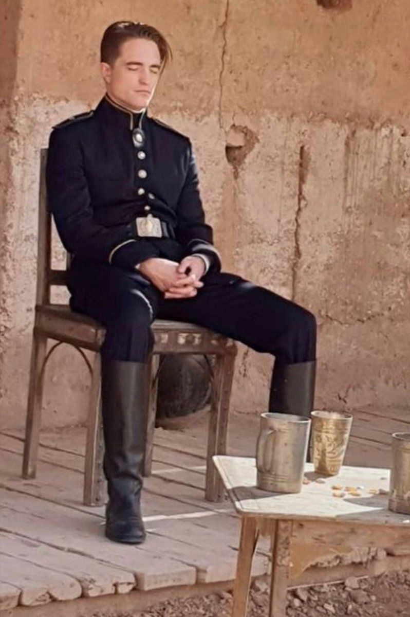 De nouvelles photos de Robert Pattinson au Maroc circulent sur la