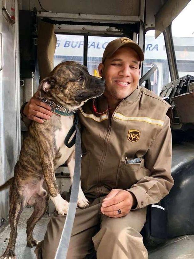 Ziemlich beste Freunde: Hund Ernie und sein neues Herrchen Jason Coronado.