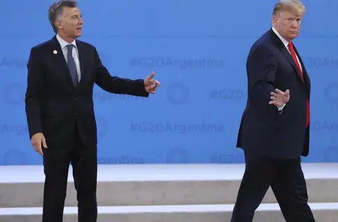 Trump Greets Argentinian President Mauricio Macri, Promptly Walks Off