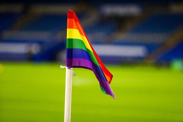 레인보우 끈 : 이번주 EPL에 등장한 무지개색 깃발의