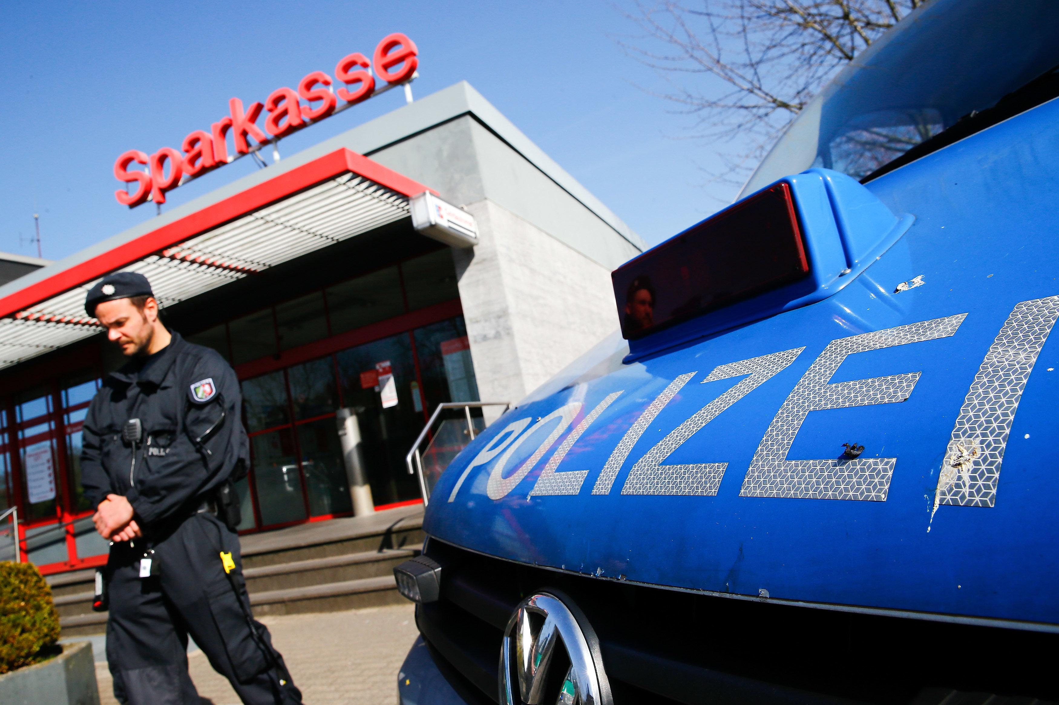 Hartz IV und 5er BMW: Staatsanwalt sagt, wie dreist Betrüger