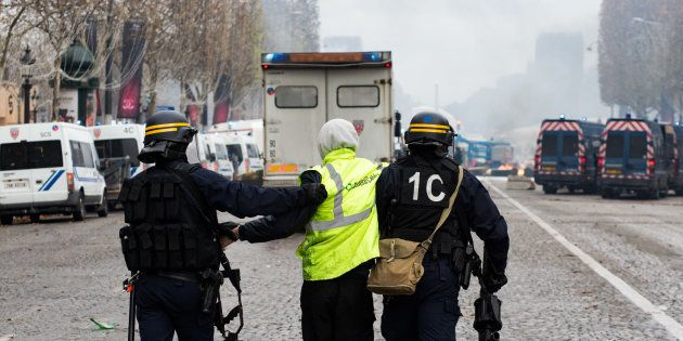Les forces de l'ordre ont procédé à 412 arrestations ce samedi 1er