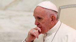 프란치스코 교황이 게이 성직자들에게 : 순결하거나