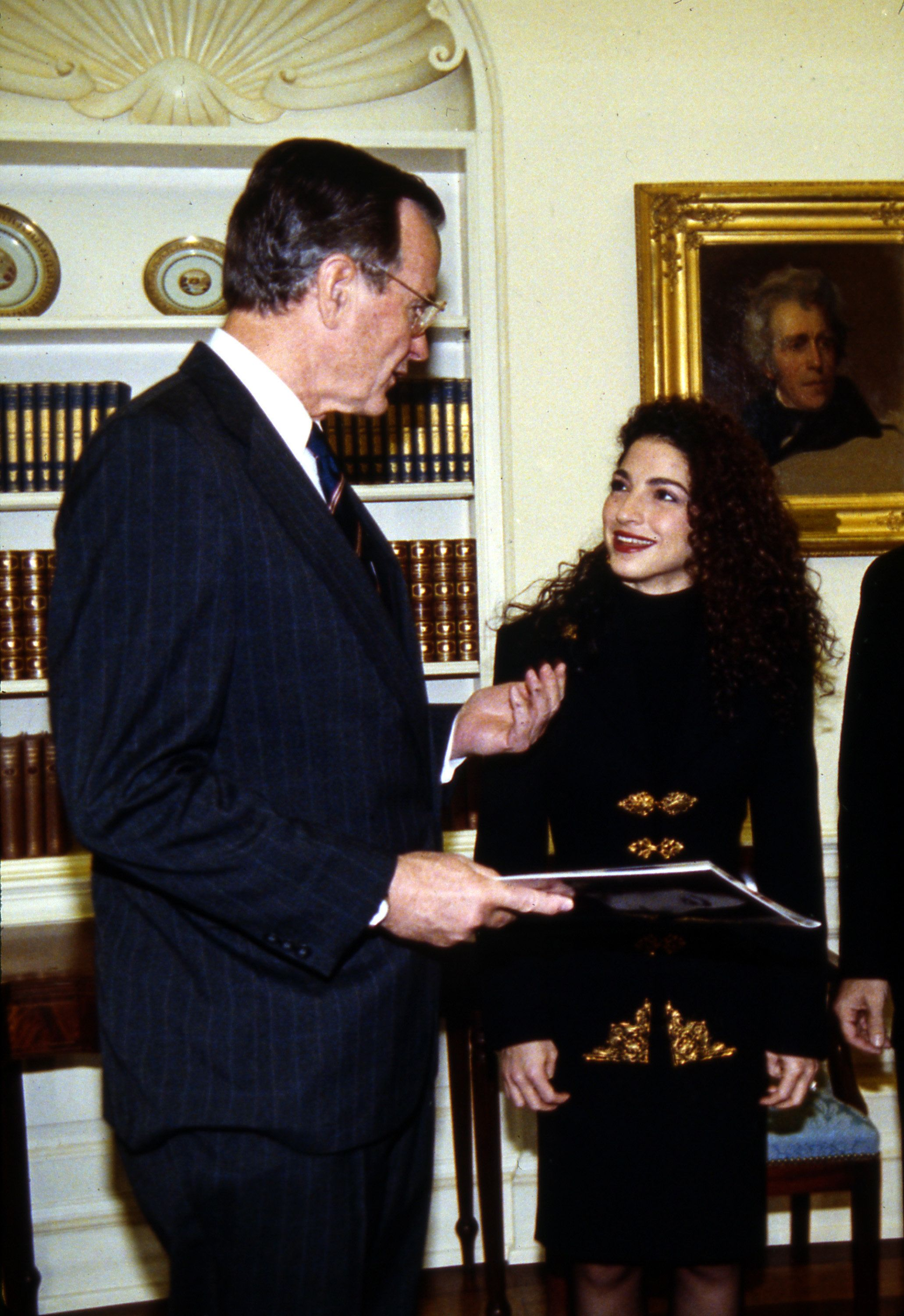 Cuban born U.S. American singer Gloria Estefan, of the group Miami Sound Machine meets with President Bush Monday in the oval Office in the white House in Washington D.C., March 20, 1990. (AP Photo/Scott Applwhite)