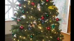 유색인종 비하 내용물로 이 크리스마스트리를 장식한 문제의 미네소타주