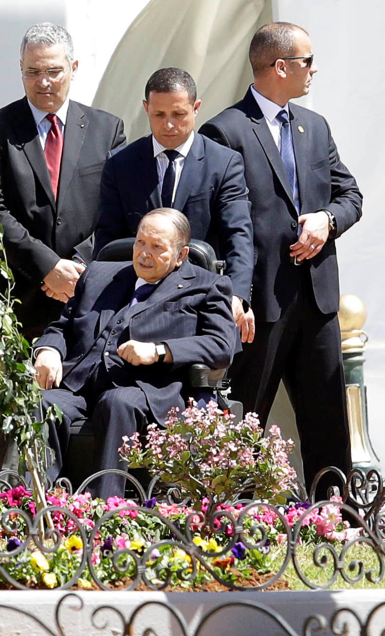 """Bouteflika ne recevra pas MBS à cause """"d'une grippe"""