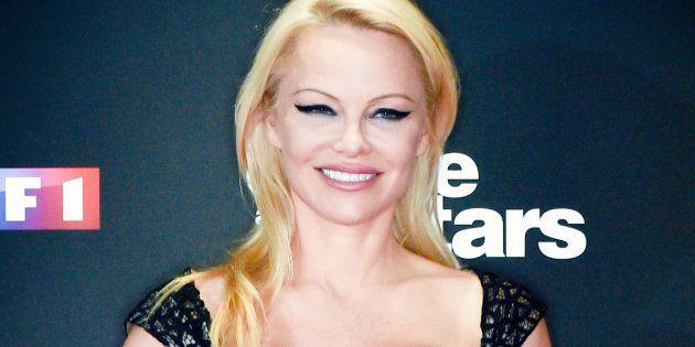 Sur les gilets jaunes, Pamela Anderson dénonce la