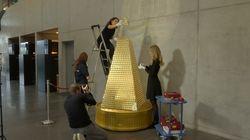 Το πιο ακριβό χριστουγεννιάτικο δέντρο στολίστηκε στη Γερμανία και αποτελείται από χρυσά