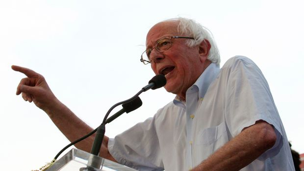 FILE - In this June 18, 2018 file photo, Sen. Bernie Sanders, I-Vt., speaks to the crowd during a gubernatorial campaign rally in Maryland's Democratic primary at downtown Silver Spring, Md.  Sanders is returning to South Carolina in a few weeks as he continues to feel out a potential 2020 presidential bid. But Democrats in this early primary state say the visit isn't wanted or helpful to their candidates in this heavily-Republican state as they prepare to face voters in the general election in Nov. 2018. (AP Photo/Jose Luis Magana, File)