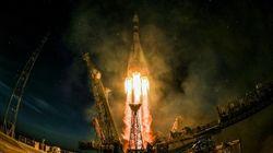 Εικόνες από την εκτόξευση του πυραύλου Σογιούζ που προσδέθηκε στον Διεθνή Διαστημικό
