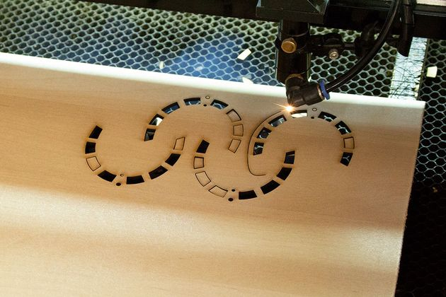 Ξύλινες δημιουργίες βήμα - βήμα σ΄ένα εργαστήριο στη