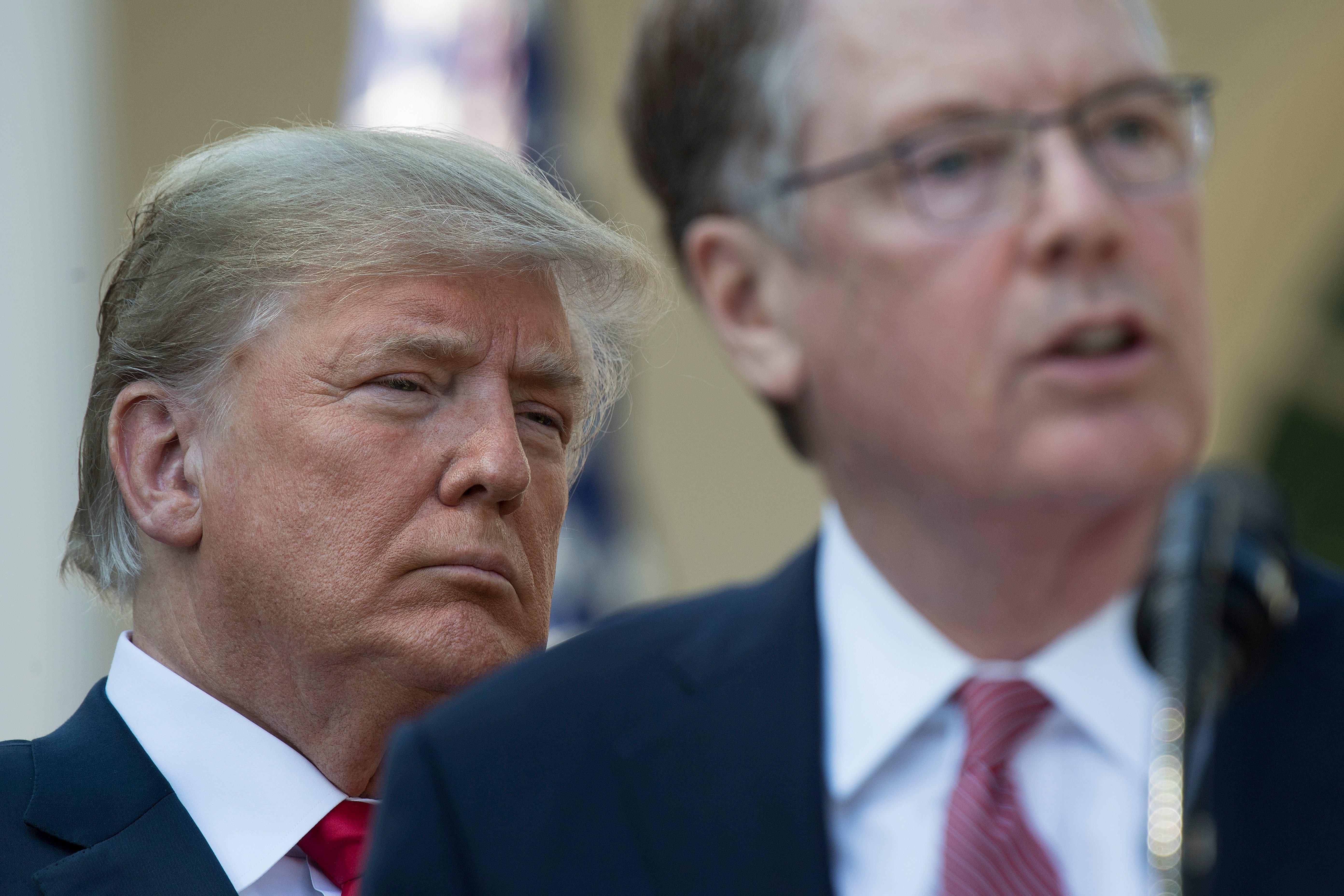 트럼프가 중국과의 무역협상에 '강경파' 라이트하이저를