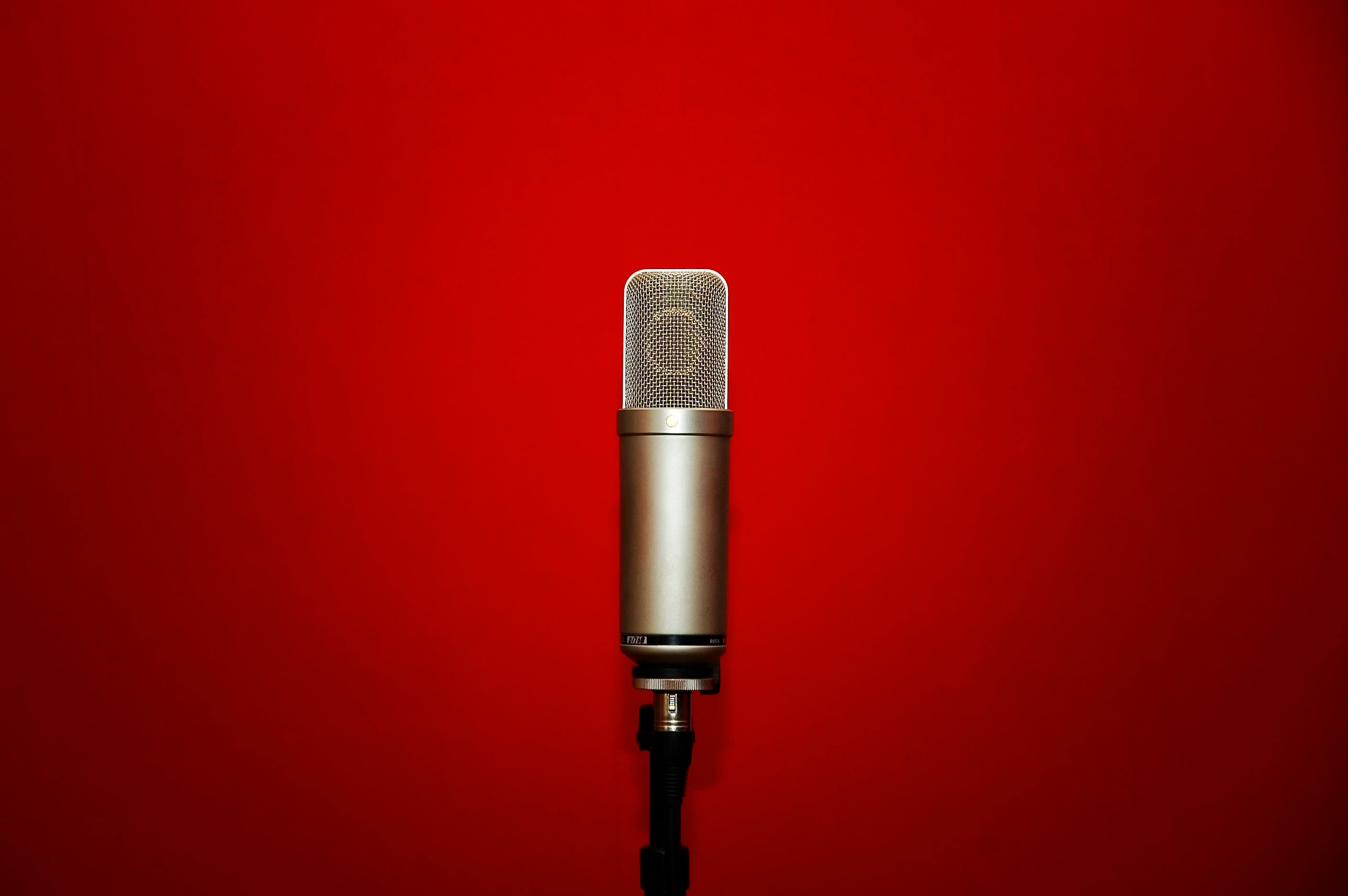 목소리가 너무 좋아 계속 듣고 싶어지는 TV 광고