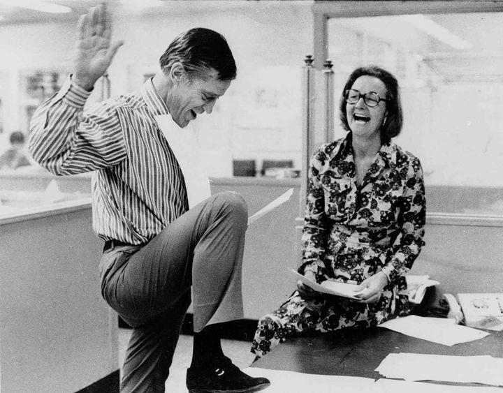 워싱턴포스트 전 편집국장 벤자민 브래들리(왼쪽)와 발행인 캐서린 그레이엄(오른쪽).