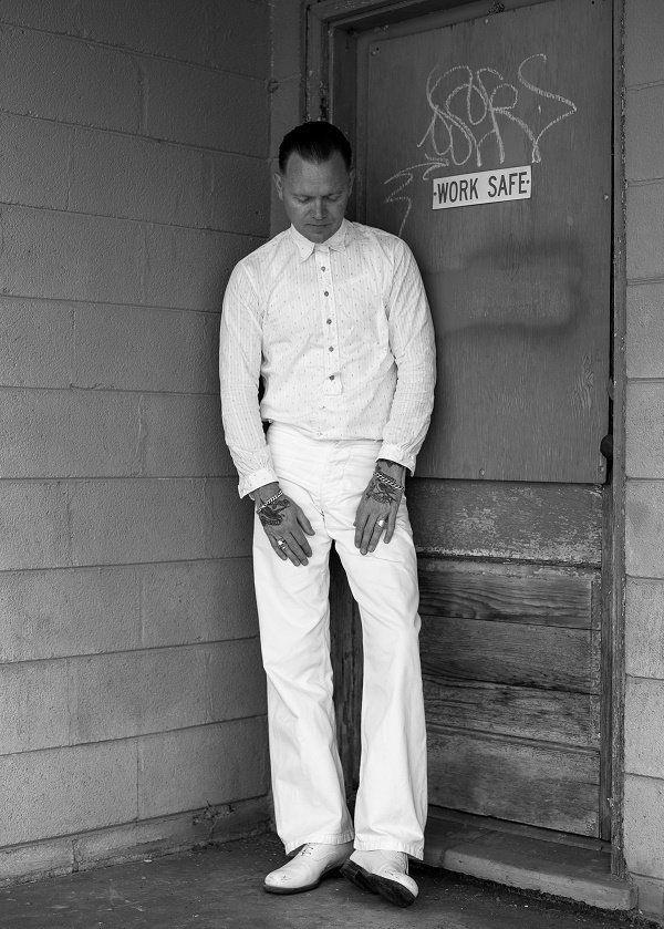 Ο C.W Stoneking για δυο συναυλίες στο Tiki