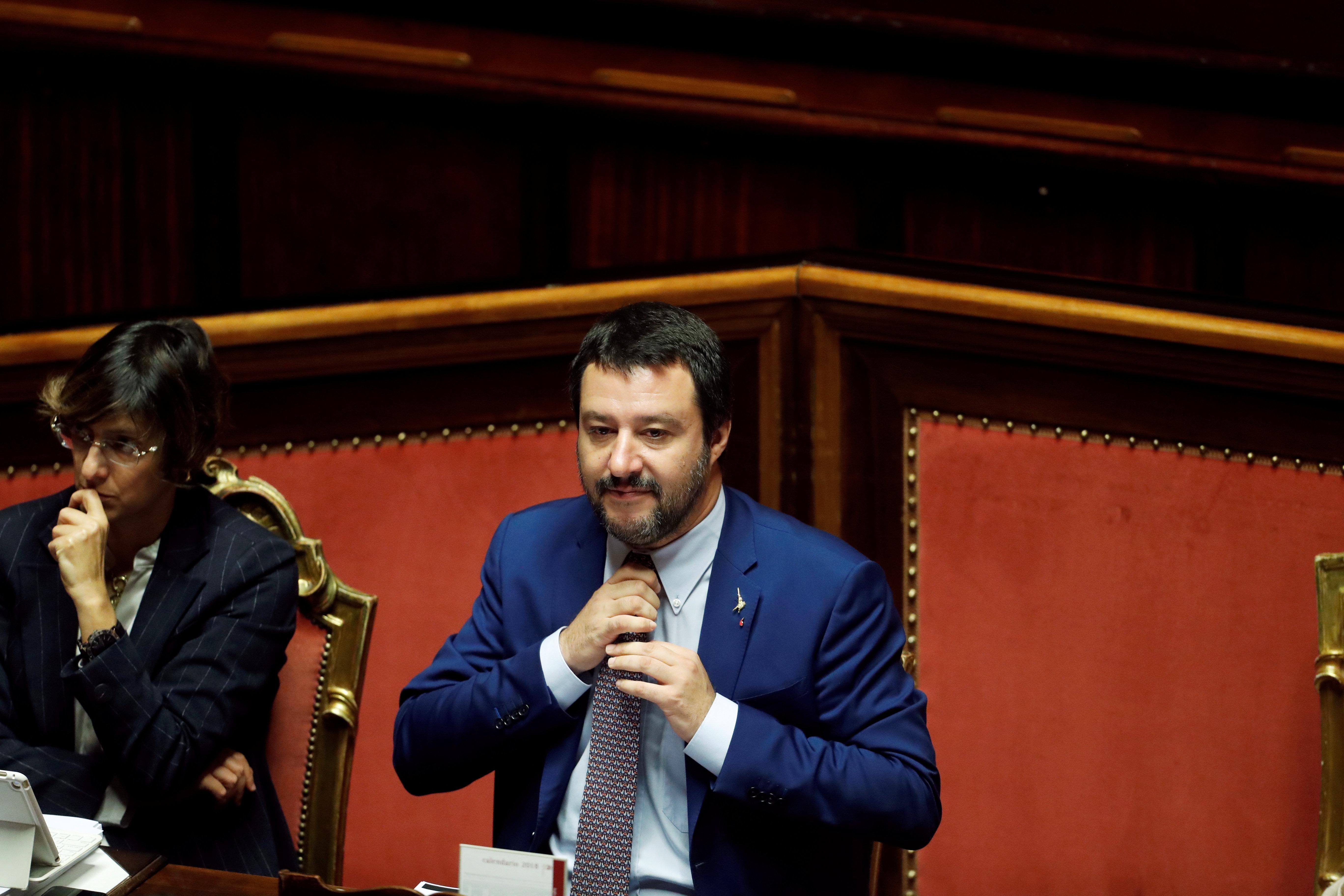 Ιταλία: Ο Σαλβίνι αποκάλυψε αστυνομική επιχείρηση και ο εισαγγελέας τον