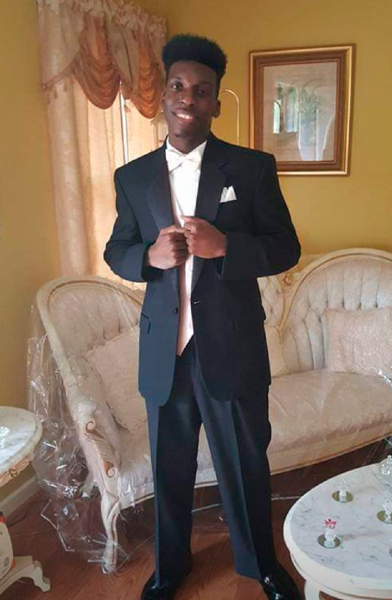 Emantic Bradford Was Shot By Police From Behind At Alabama Mall, Autopsy