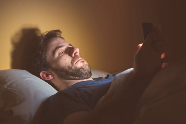 Έρευνα: 9 στους 10 Έλληνες συνδέονται καθημερινά στο Ίντερνετ, περνώντας 3,5 ώρες online