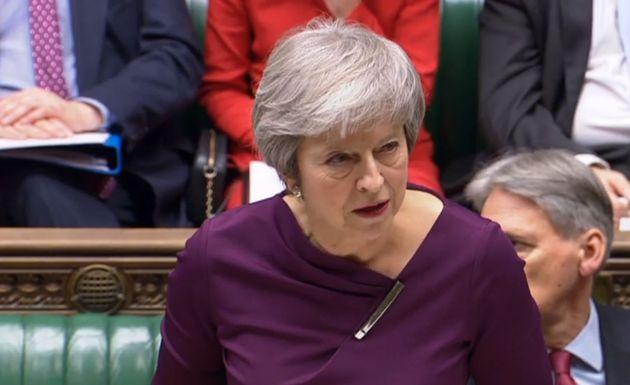Theresa May im Unterhaus.