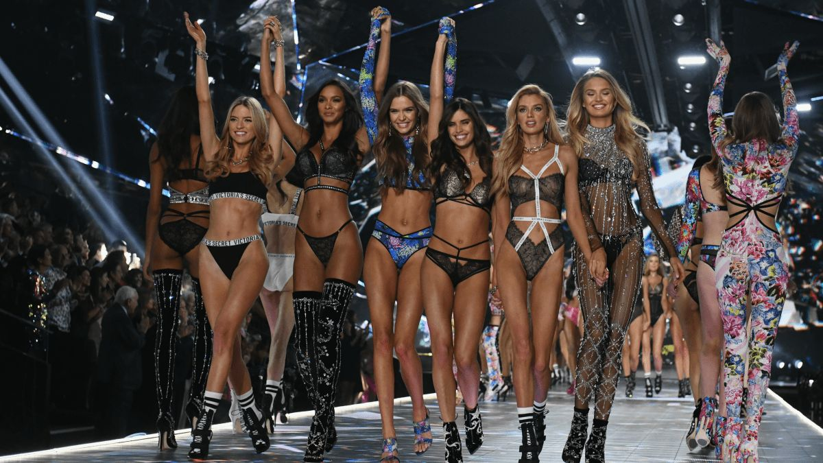 These are the stories making headlines in fashion on Tuesday. The Victoria's Secret Fashion Show drops to its lowest-ever ratings  Despite switching to a new network and a new night, the annual Victoria's Secret Fashion Show, which aired on Dec. 2, garnered its lowest ratings ever. The ...