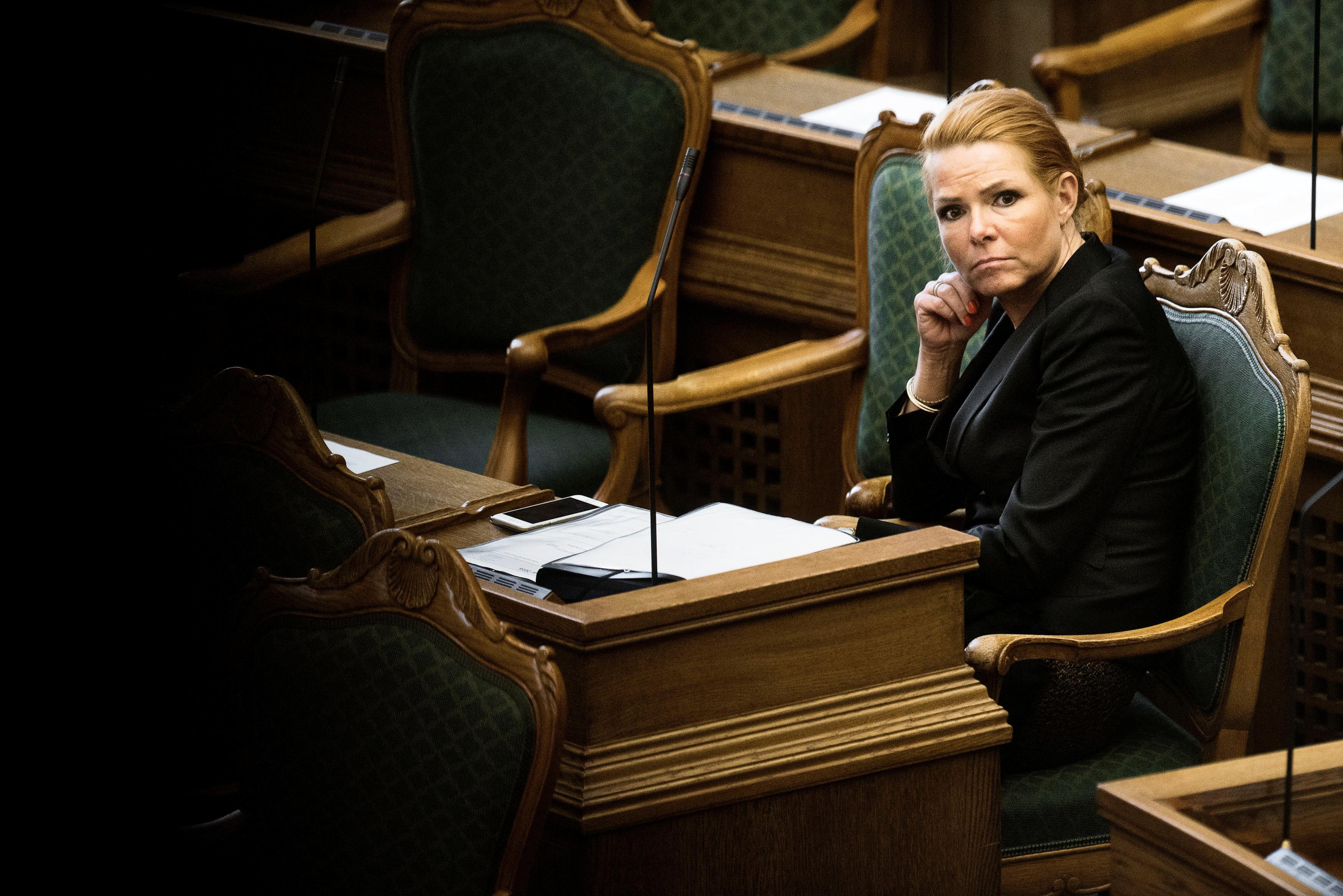 평화로운 나라 덴마크가 황당한 정책을 연달아 내놓고