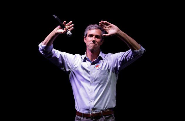 중간선거에서 민주당의 스타로 떠오른 오루크가 오바마를