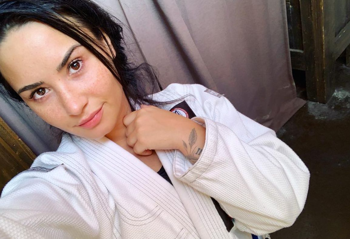 Demi Lovato shares makeup-free, post-workout selfie after leaving rehab