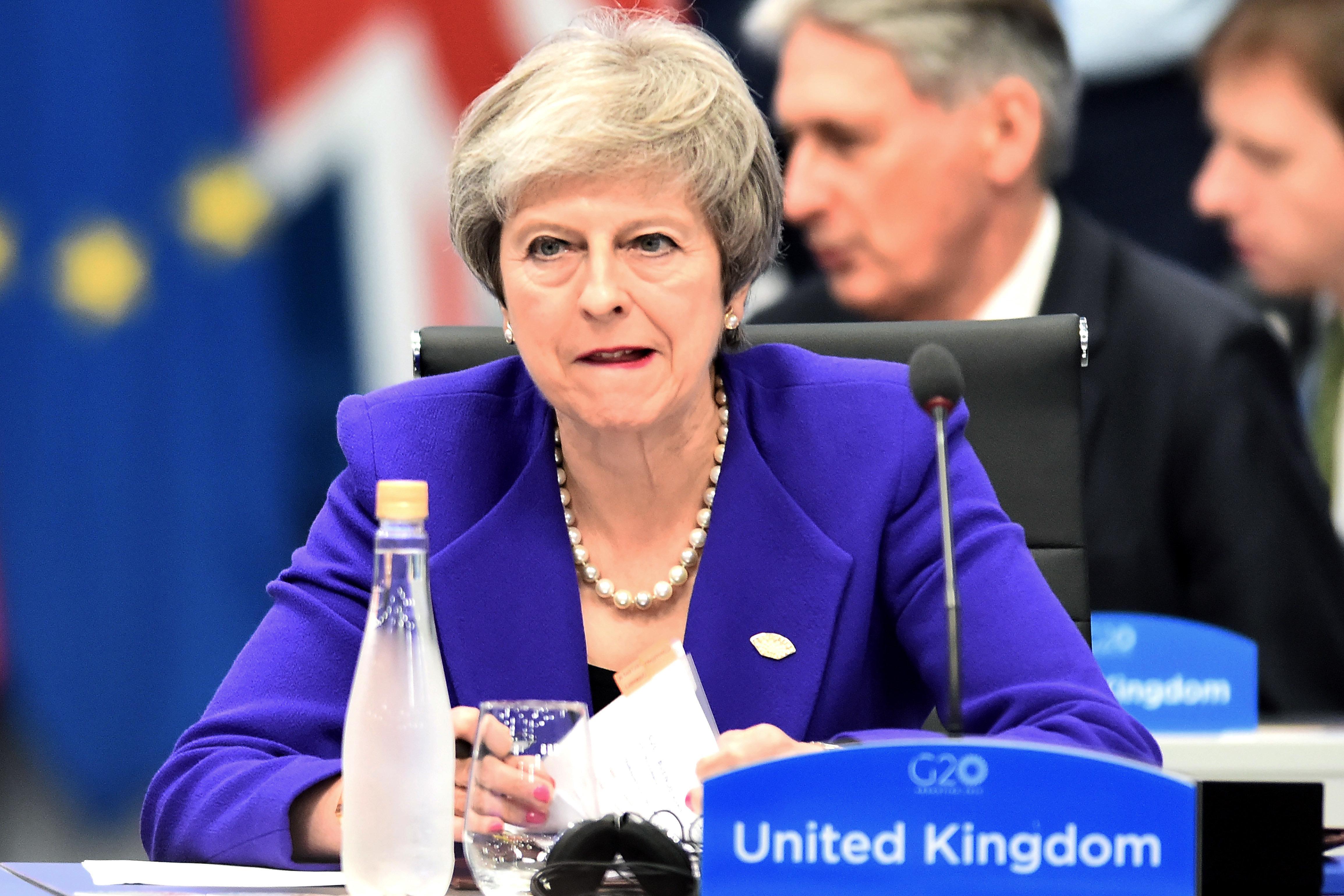 Brexit-Votum laut Berichten verschoben: May sagt Abstimmung am Dienstag