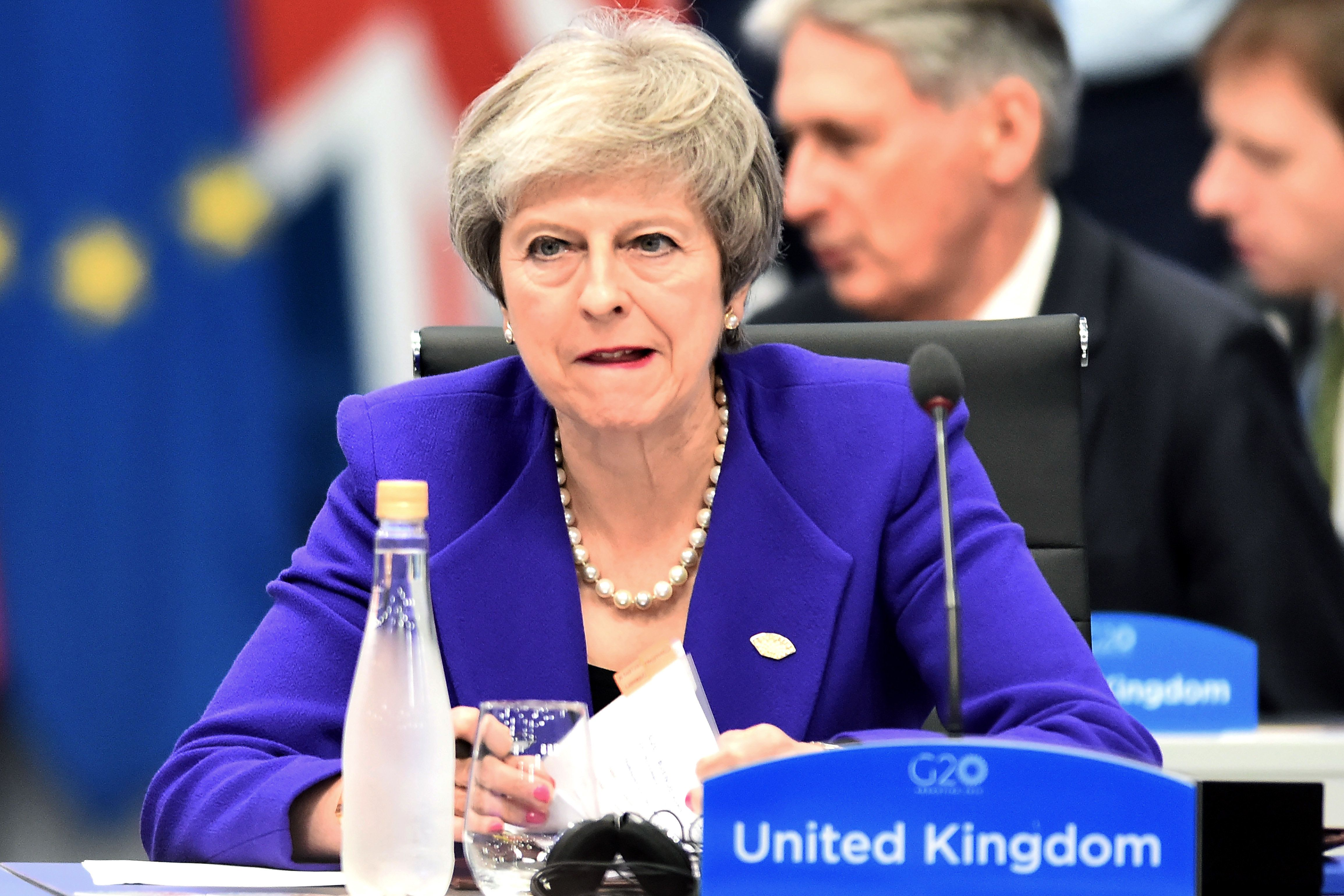 Theresa May stehen heikle Tage